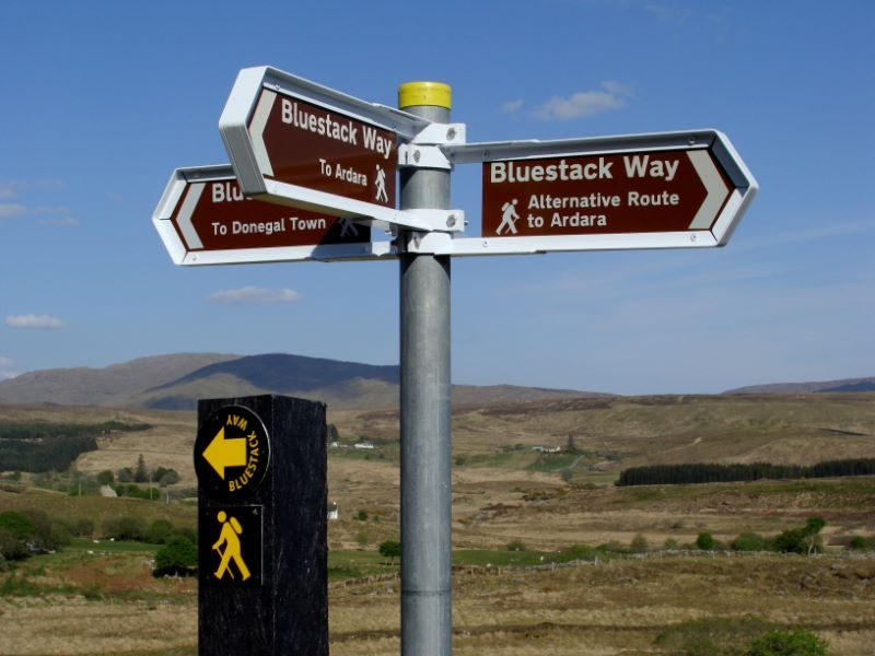 317.-trail-post-and-signs-at-road
